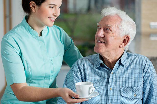 сиделка для пожилых